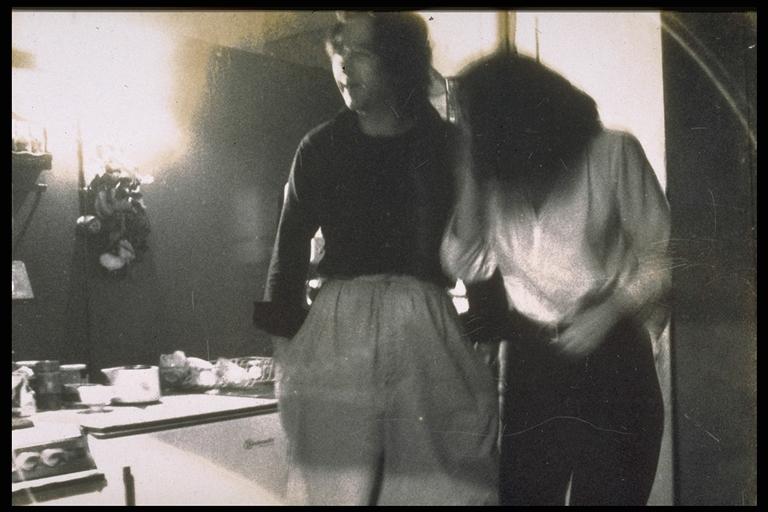 MARINA ABRAMOVIC MIT G.J.LISCHKA  1977 HOSENTAUSCH